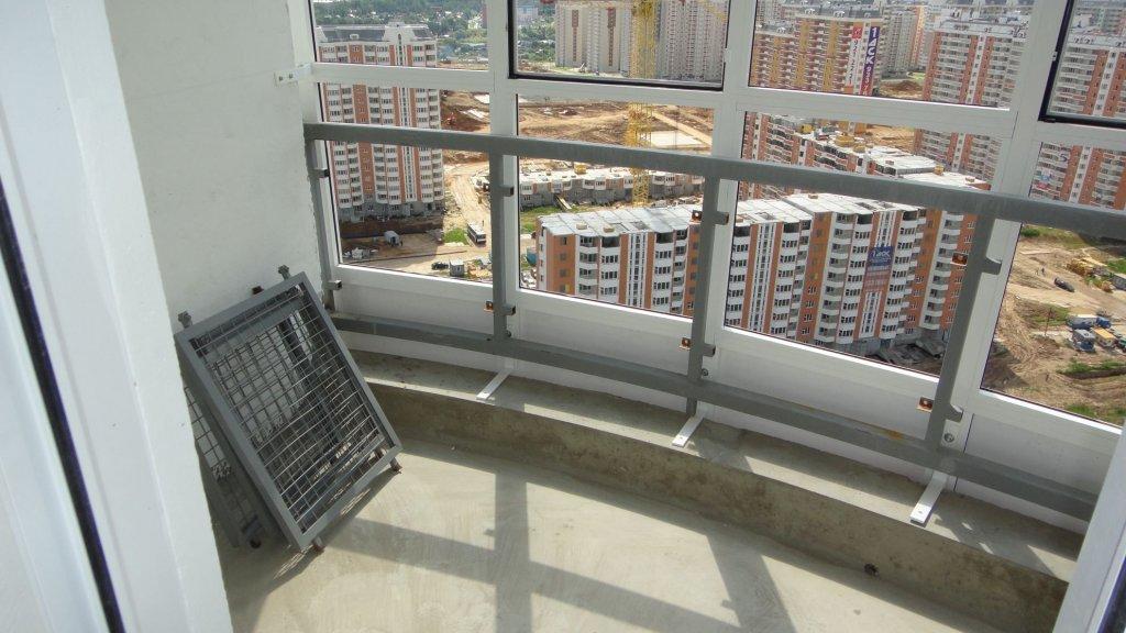 Остекление балкона копэ м парус..
